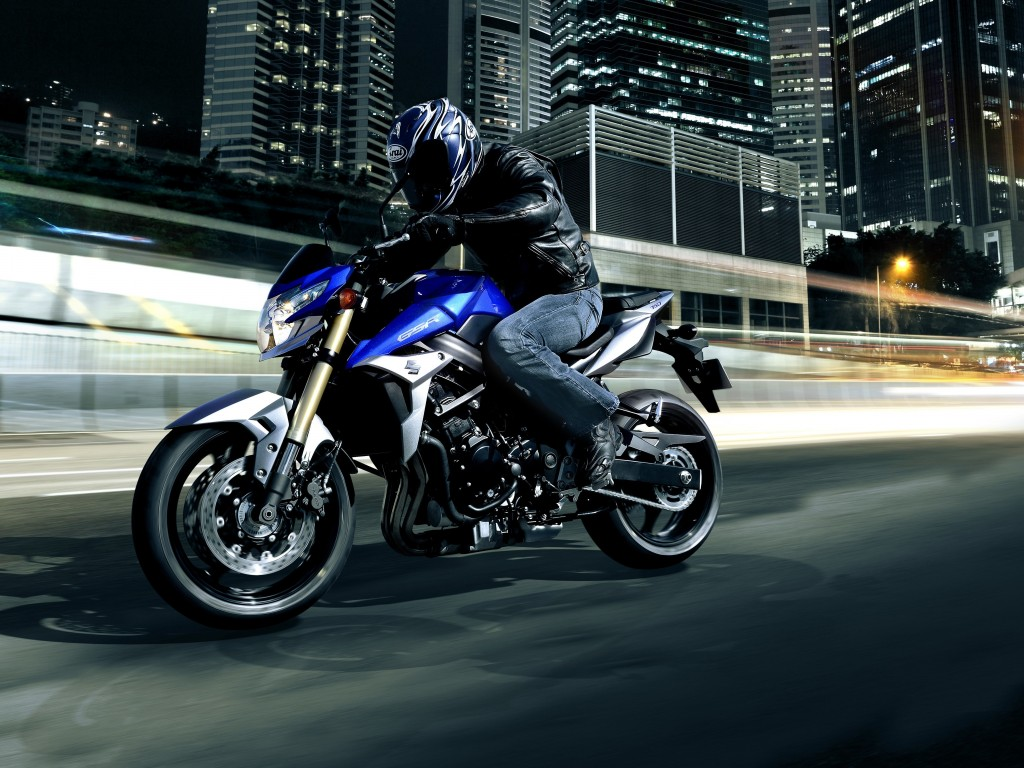 Suzuki GSX-R750 Wallpaper for Desktop 1024x768