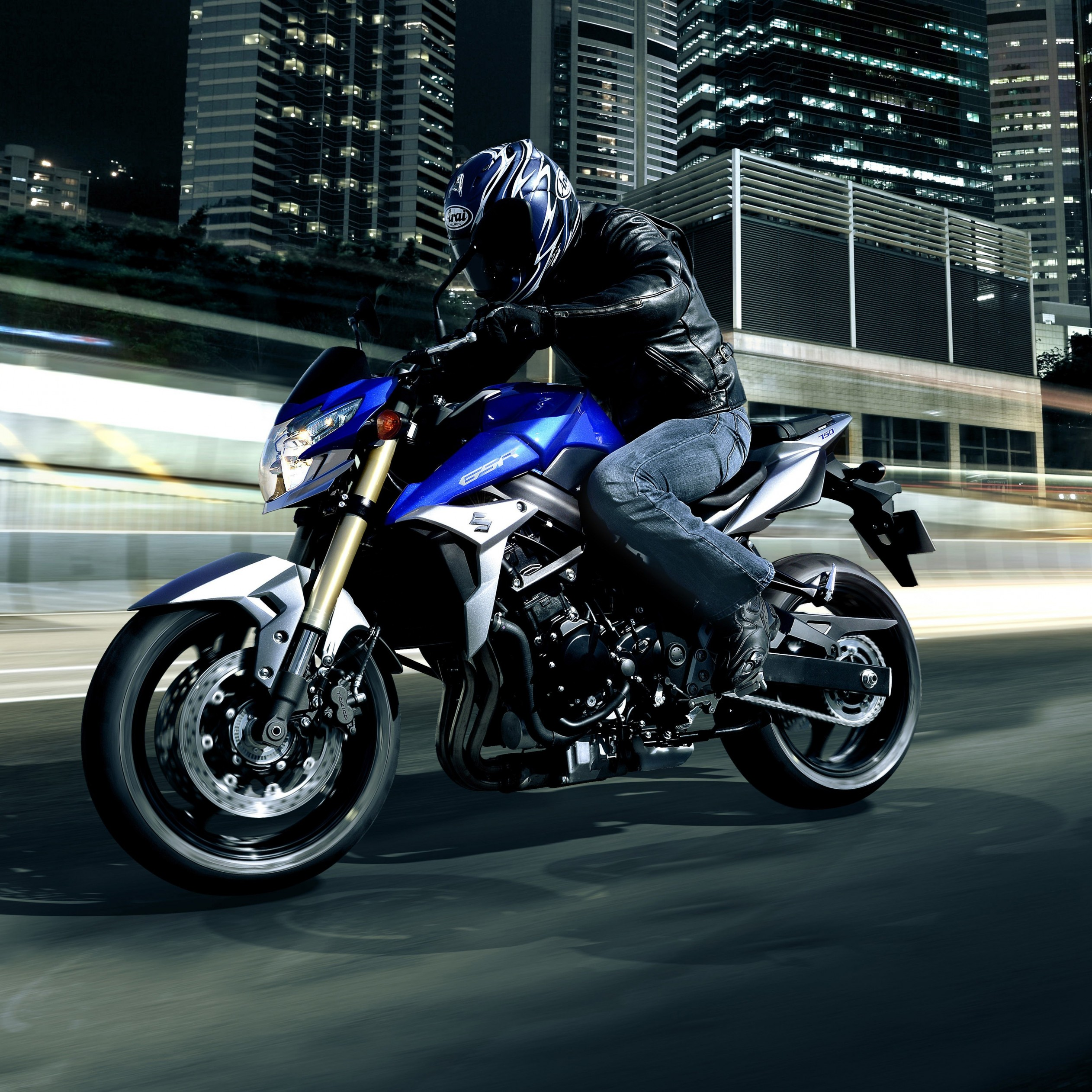 Suzuki GSX-R750 Wallpaper for Apple iPad mini 2