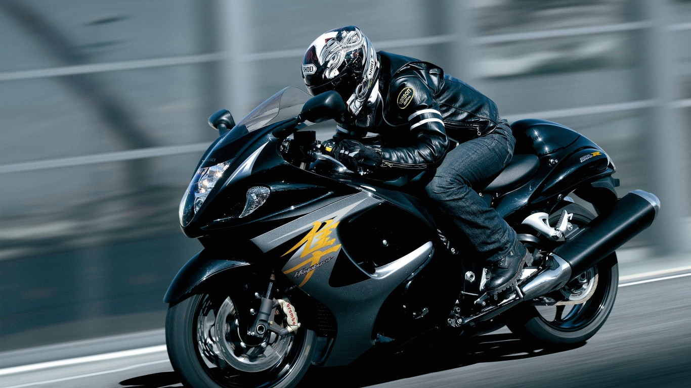 Suzuki Hayabusa GSX 1300R Wallpaper for Desktop 1366x768