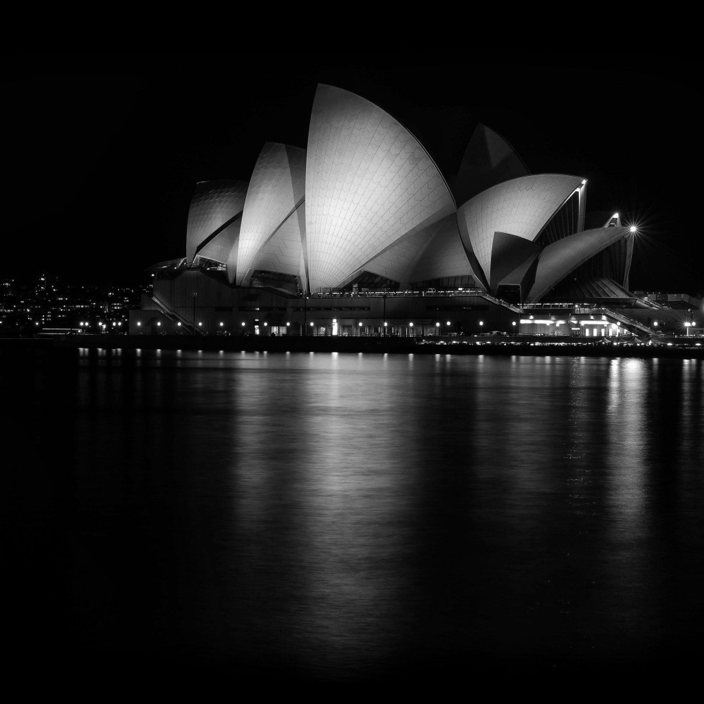 Sydney Opera House at Night in Black & White Wallpaper for Apple iPad 2