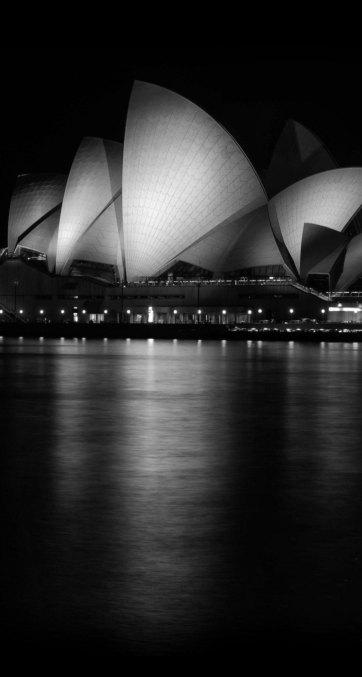 Sydney Opera House at Night in Black & White Wallpaper for Apple iPhone 5 / 5s