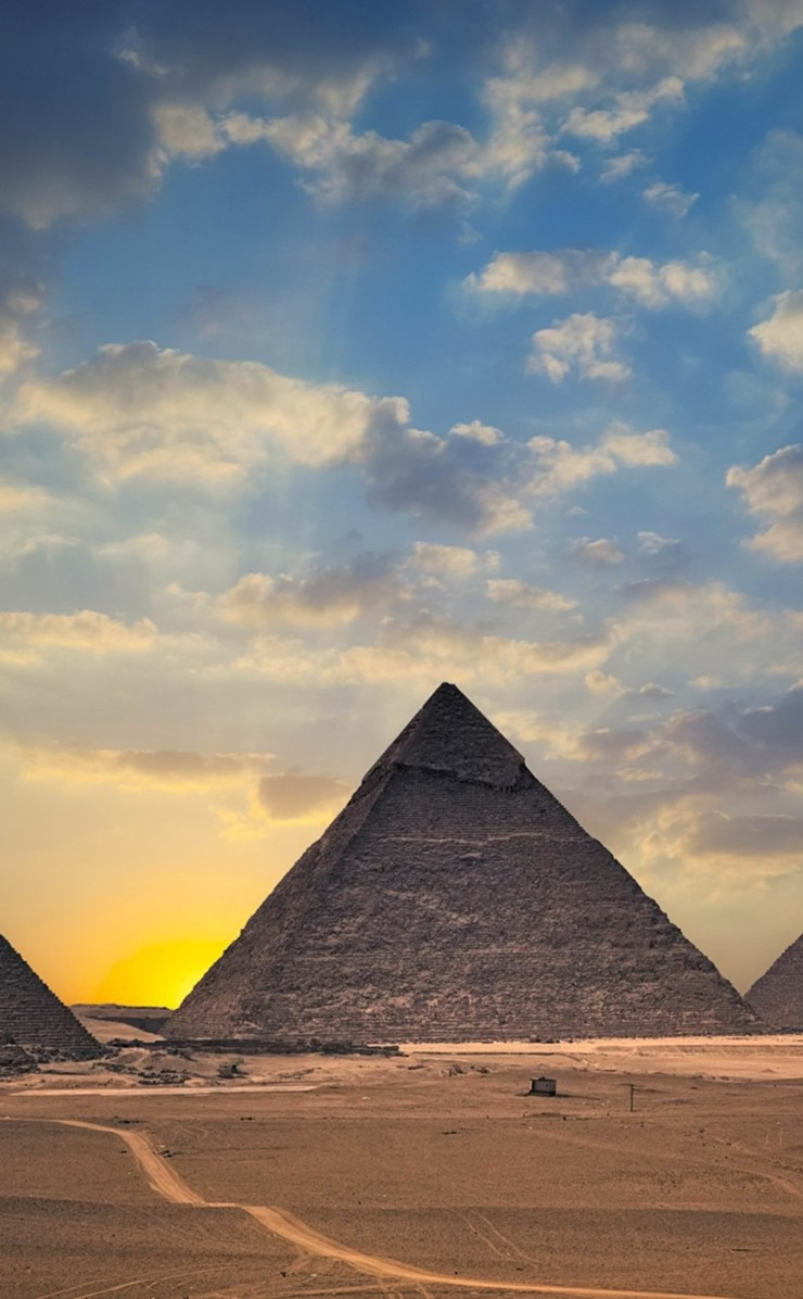 The Great Pyramids of Giza Wallpaper for Apple iPhone 4 / 4s
