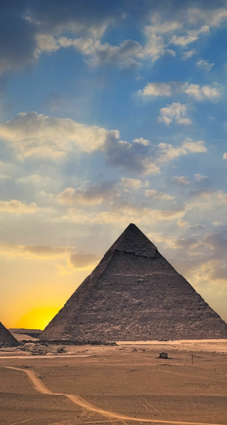 The Great Pyramids of Giza Wallpaper for Apple iPhone 5 / 5s