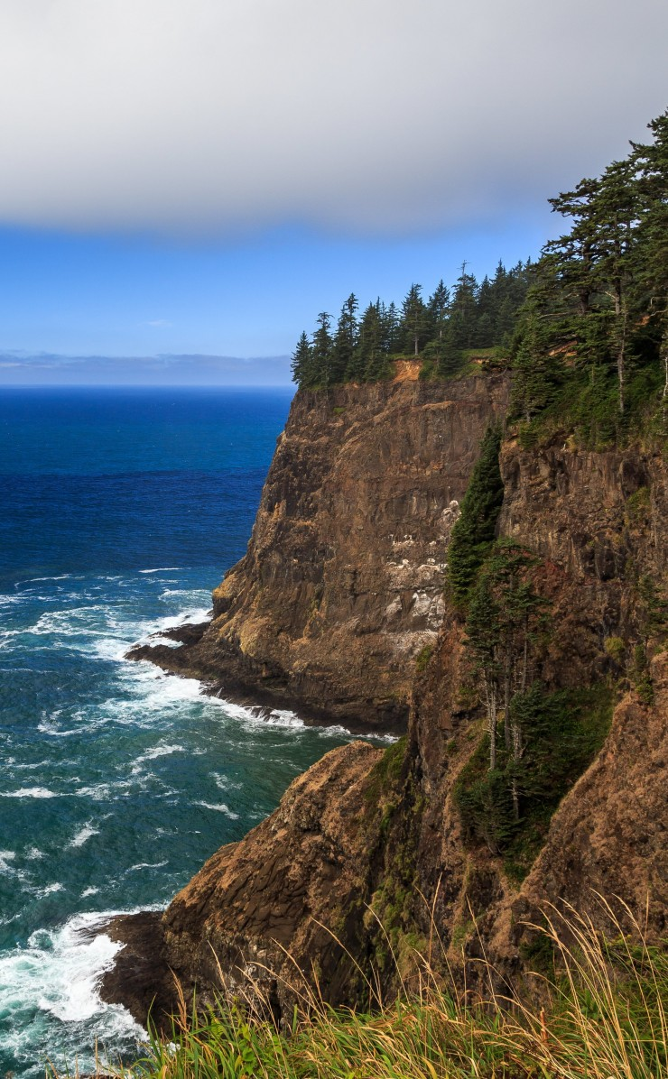 The Left Edge, Cape Lookout, Oregon Wallpaper for Apple iPhone 4 / 4s