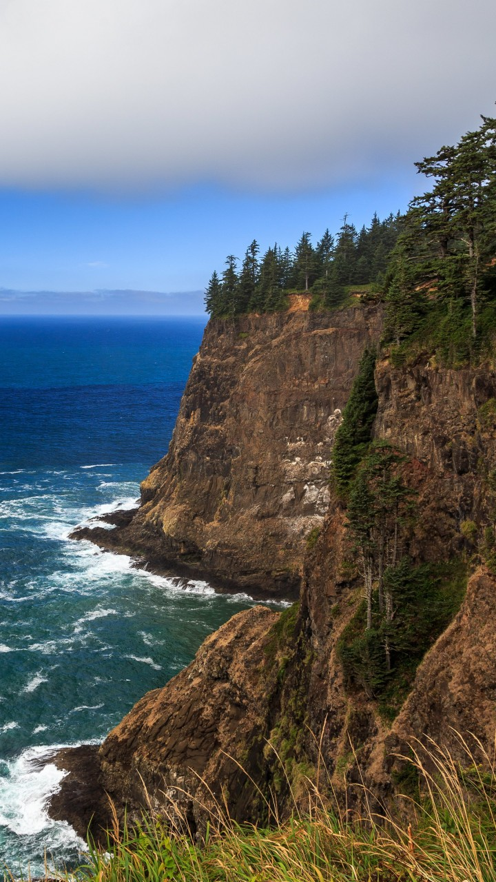 The Left Edge, Cape Lookout, Oregon Wallpaper for Motorola Moto G