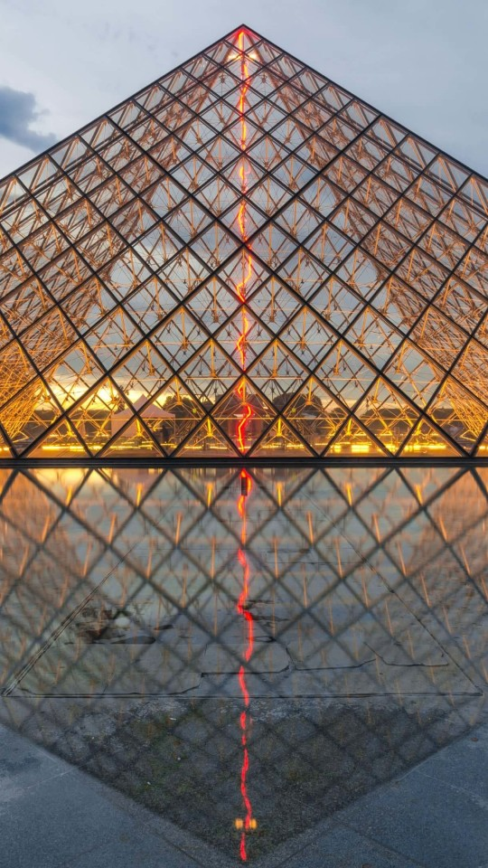 The Louvre Wallpaper for SAMSUNG Galaxy S4 Mini