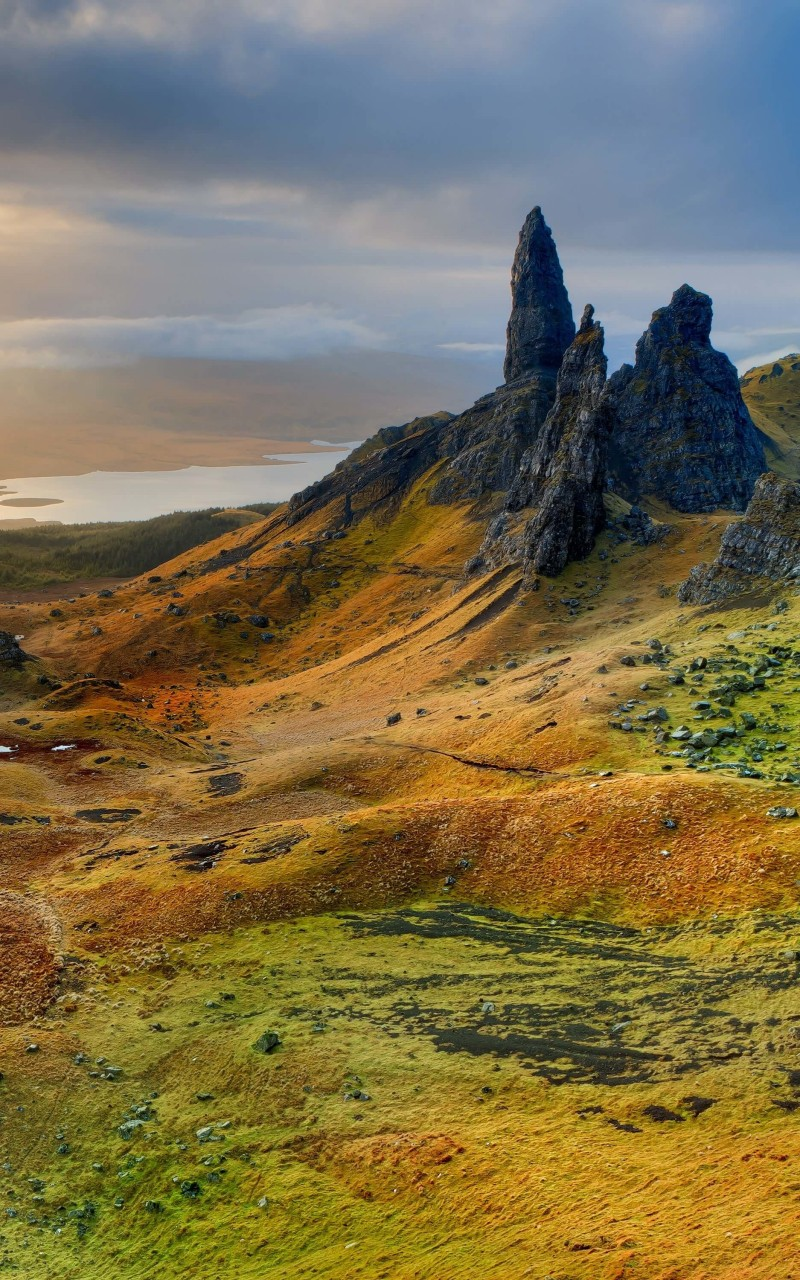 The Old Man of Storr, Isle of Skye, Scotland Wallpaper for Amazon Kindle Fire HD