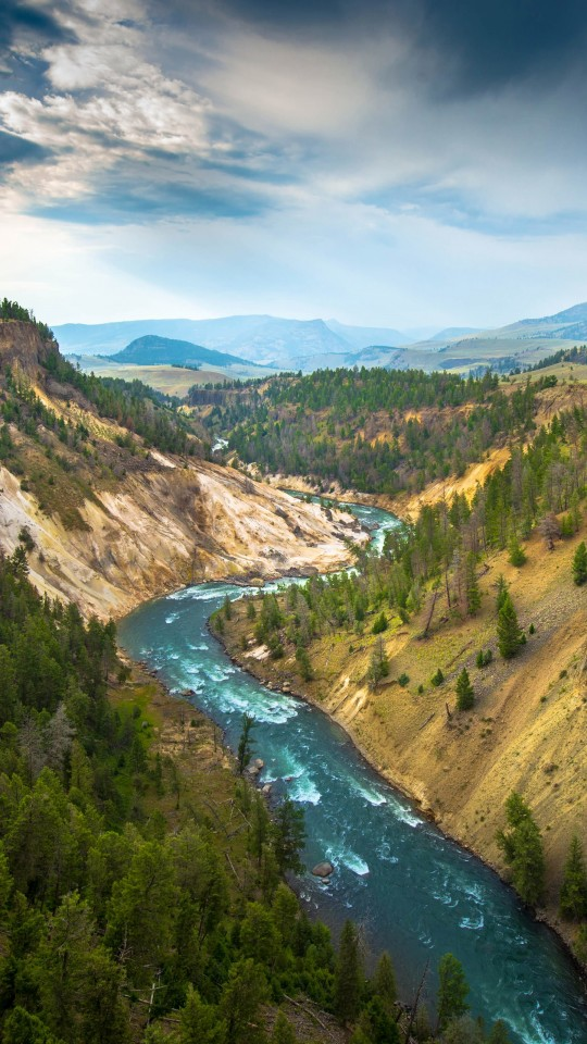 The River, Grand Canyon of Yellowstone National Park, USA Wallpaper for Motorola Moto E