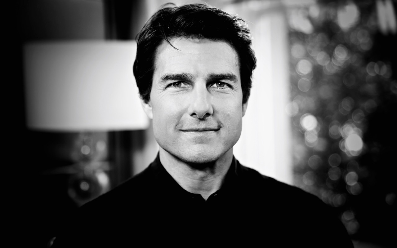 Tom Cruise Black & White Portrait Wallpaper for Desktop 1280x800