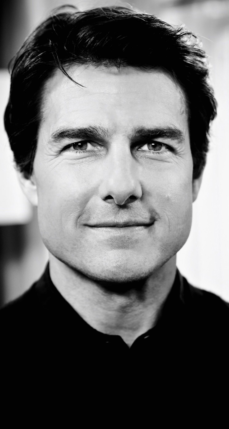 Tom Cruise Black & White Portrait Wallpaper for Apple iPhone 5 / 5s