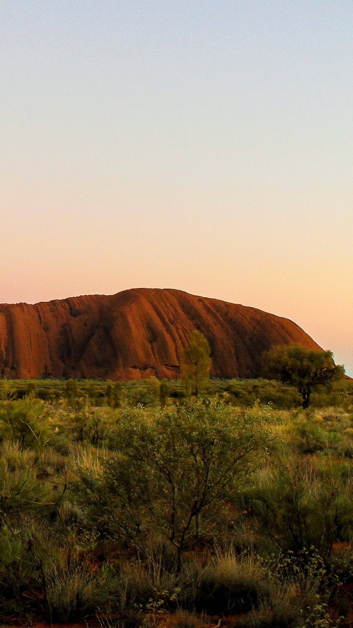 Uluru Sunrise Wallpaper for HTC One X