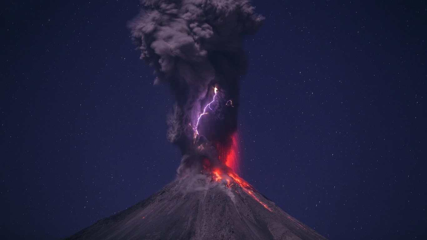 Volcanic Lightning Wallpaper for Desktop 1366x768