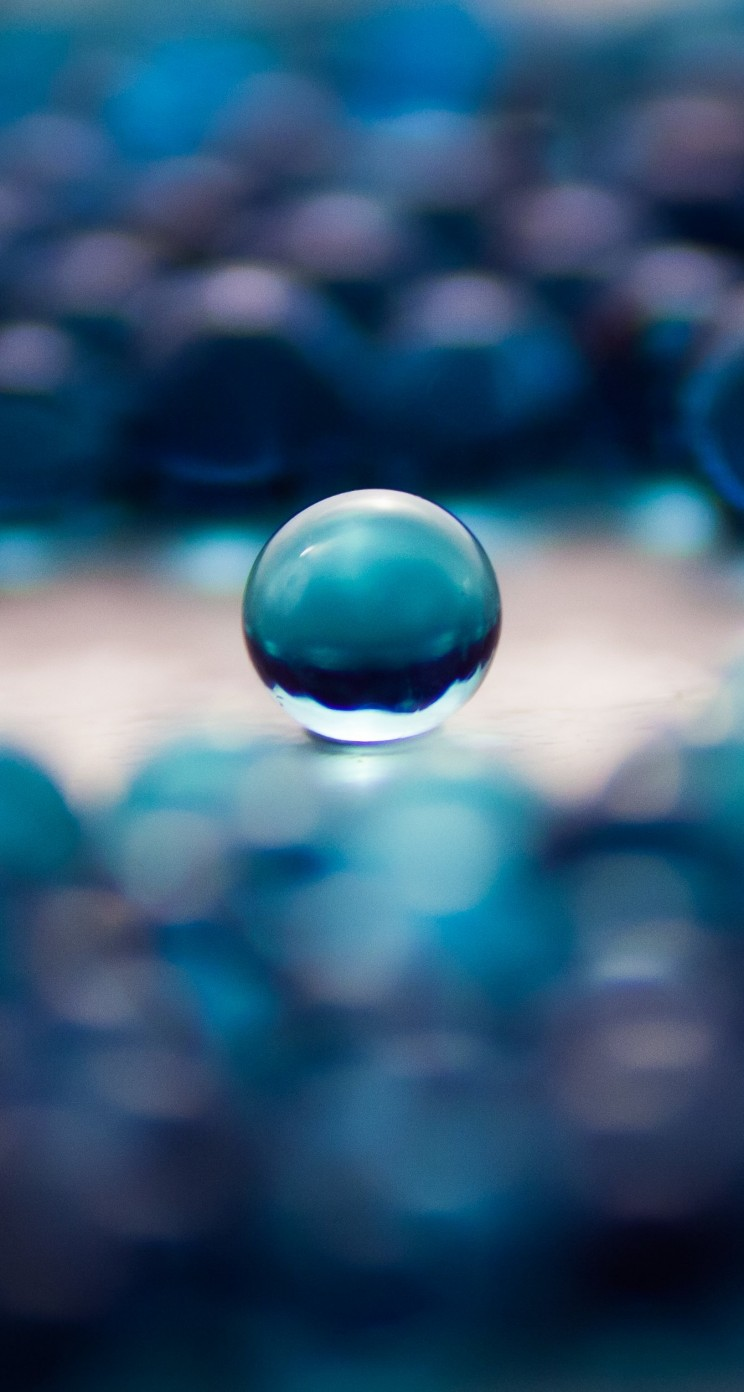 Water Balls Wallpaper for Apple iPhone 5 / 5s