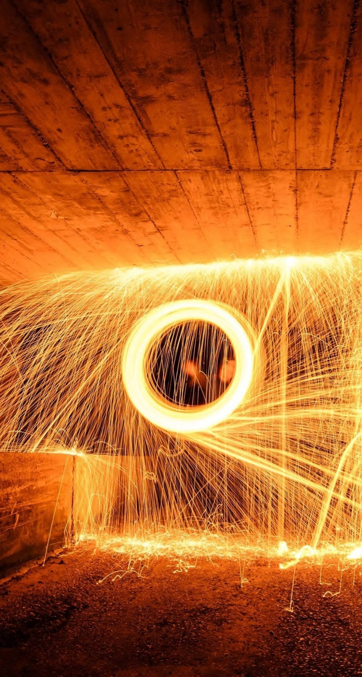 Wire Wool Long Exposure Wallpaper for Apple iPhone 5 / 5s