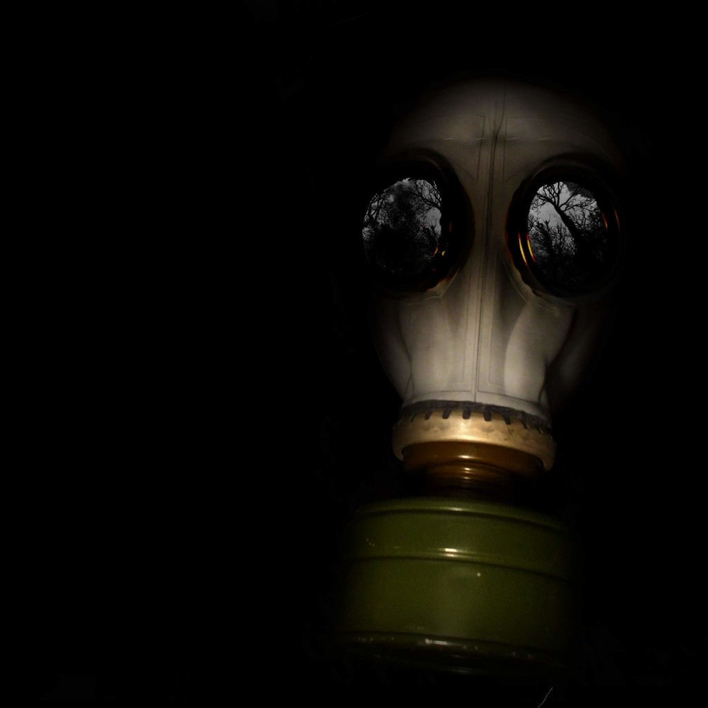 WWII Gas Mask Wallpaper for Apple iPad