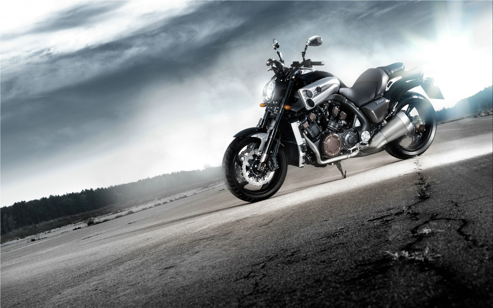 Yamaha VMax Wallpaper for Desktop 1680x1050
