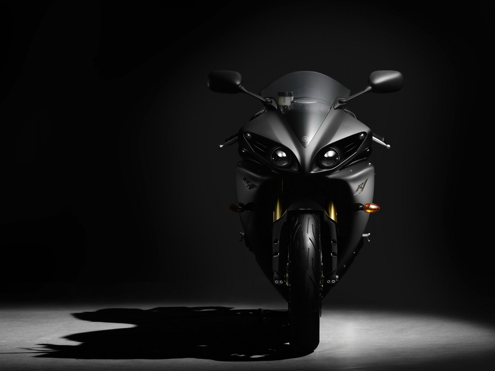 Yamaha Yzf R1 Wallpaper for Desktop 1600x1200