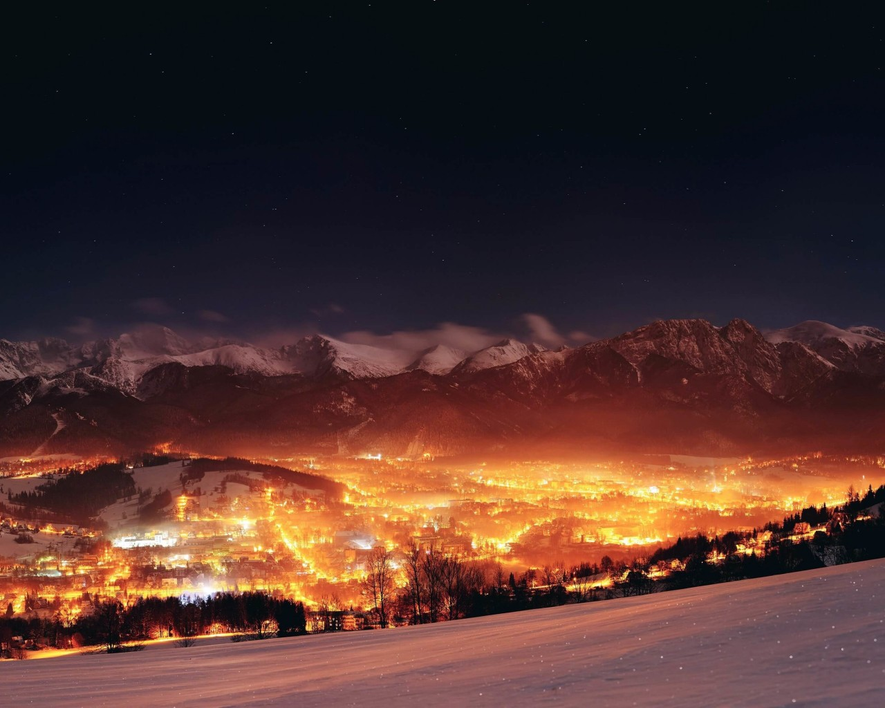 Zakopane City At Night - Poland Wallpaper for Desktop 1280x1024