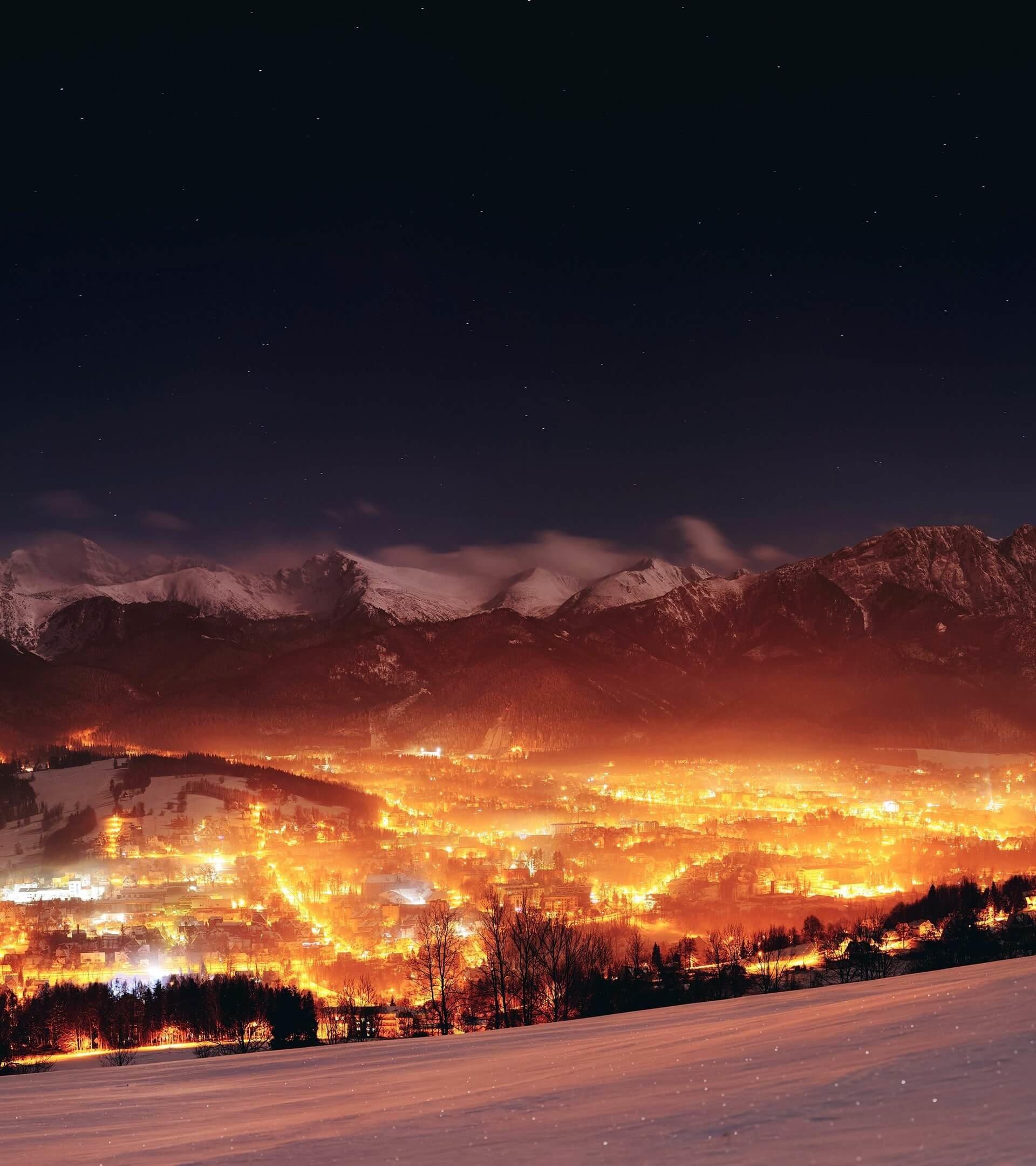 Zakopane city at night poland hd wallpaper for nexus 7 for Wallpaper for